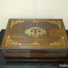 Antigüedades: CAJA ANTIGUA DE MADERA Y MARQUETERÍA. Lote 167050244