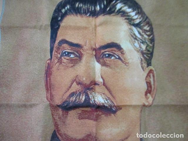 Antigüedades: Precioso tapiz de STALIN. Las letras en Chino / 89 x 59 cm. En perfecto estado. - Foto 5 - 167055000