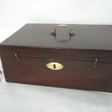 Antigüedades: BELLA CAJA INGLESA EN MADERA DE CAOBA SIGLO XIX. Lote 167057132