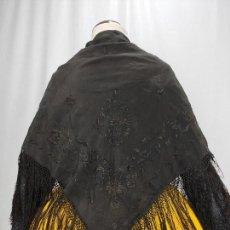 Antigüedades: ANTIGUO PAÑUELO. MANTÓN ISABELINO BORDADO. Lote 167085408