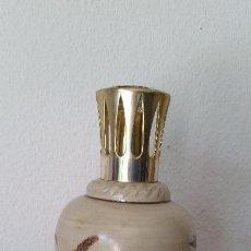 Antigüedades: ANTIGUIO Y MAGNIFICO PERFUMERO EM PORCELANA PINTADO A MANO B.R JNCUYNOL. Lote 167087000