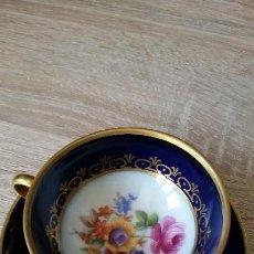 Antigüedades: ANTIGUA TAZA DE CAFE MUY FINA PINTADA A AMNO SELADA JL MENNAU,GERMANY ECHT.KOBLT 1120/21/4,1986/ 54. Lote 167080072