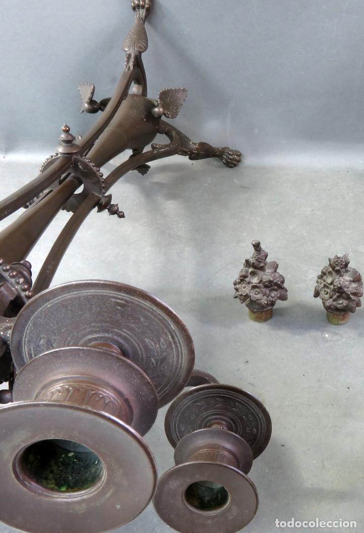Antigüedades: Pareja de candelabros alfonsinos en calamina pavonada de cinco brazos hacia 1900 - Foto 10 - 167123880