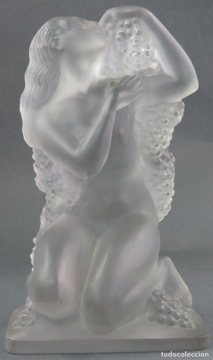 PISAPAPELES DESNUDO FEMENINO CON UVAS EN VIDRIO CRISTAL GLACE HACIA 1920 (Antigüedades - Cristal y Vidrio - Lalique )