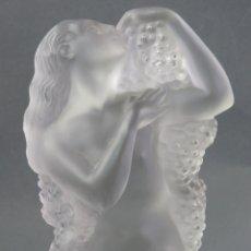 Antiguidades: PISAPAPELES DESNUDO FEMENINO CON UVAS EN VIDRIO CRISTAL GLACE HACIA 1920. Lote 167145604