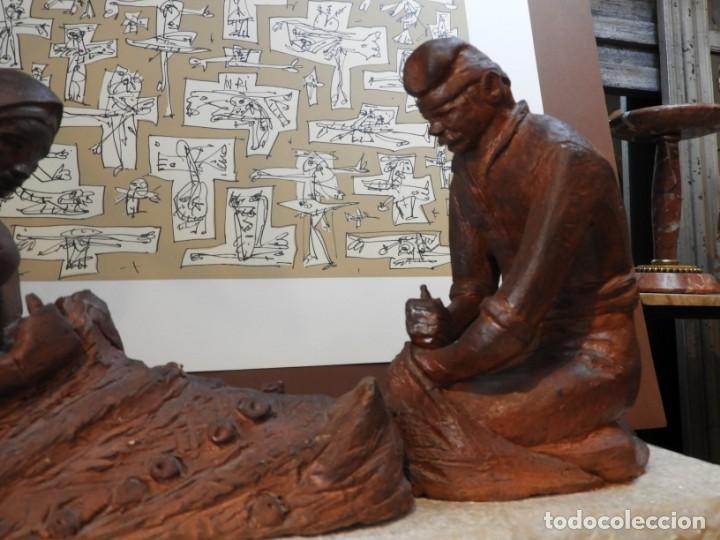 Antigüedades: FIGURA DE BARRO TONO OXIDO DE DOS ANCIANOS CATALANES - Foto 4 - 167172828