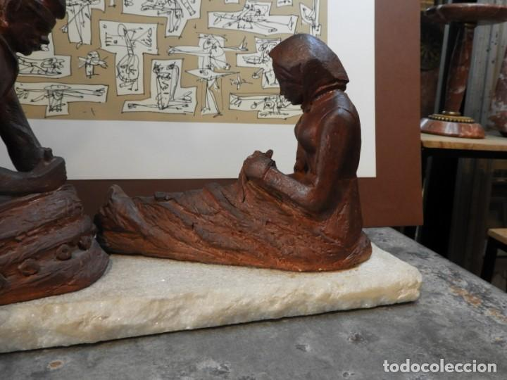 Antigüedades: FIGURA DE BARRO TONO OXIDO DE DOS ANCIANOS CATALANES - Foto 7 - 167172828