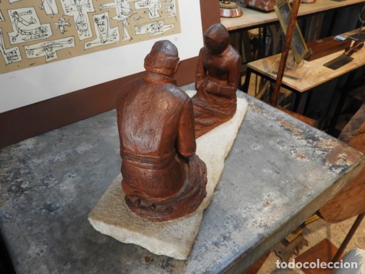 Antigüedades: FIGURA DE BARRO TONO OXIDO DE DOS ANCIANOS CATALANES - Foto 9 - 167172828