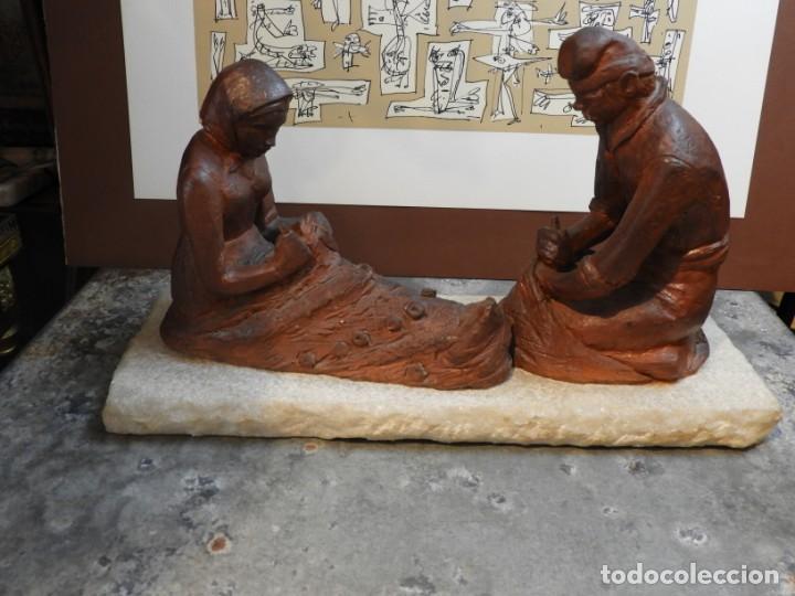 Antigüedades: FIGURA DE BARRO TONO OXIDO DE DOS ANCIANOS CATALANES - Foto 11 - 167172828