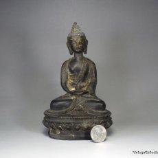 Antigüedades: ANTIGUA ESTATUA CHINA DE BUDA EN BRONCE, BUDA SENTADO 165MM Y 450GR. Lote 165326202