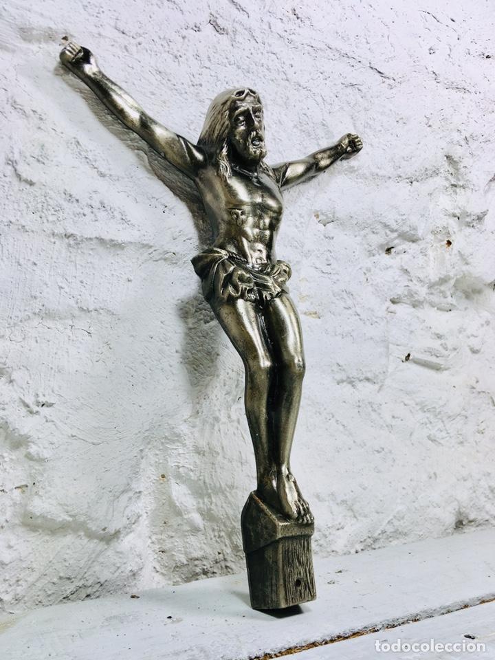 Antigüedades: CRISTO DE PARED CRUCIFIJO CRUZ DE CALAMINA AÑOS 70 IMAGEN RELIGIOSA - Foto 6 - 167184548