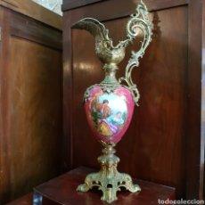 Antigüedades: ANTIGUA JARRA MODERNISTA EN EXCELENTE PORCELANA TIPO SEVRES PINTADA A MANO GRAN TAMAÑO. Lote 167459350