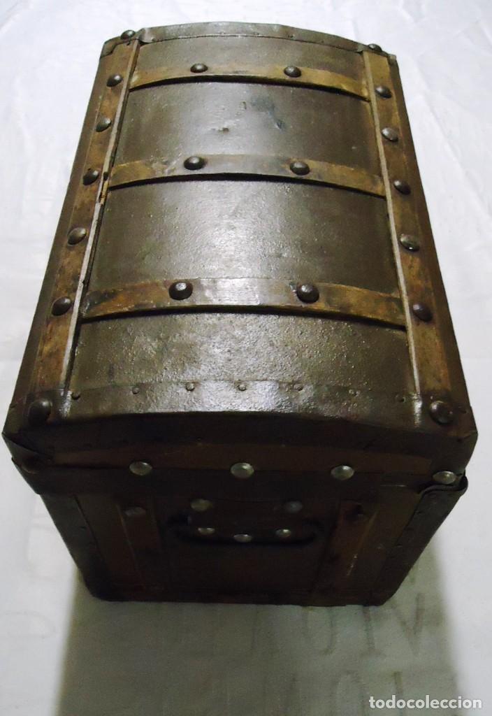 Antigüedades: Antiguo baul con cerradura en madera y metal principios XX - Foto 3 - 167465380
