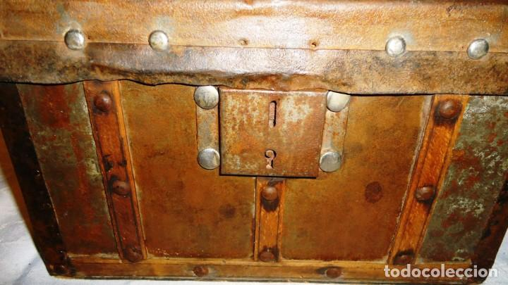 Antigüedades: Antiguo baul con cerradura en madera y metal principios XX - Foto 5 - 167465380