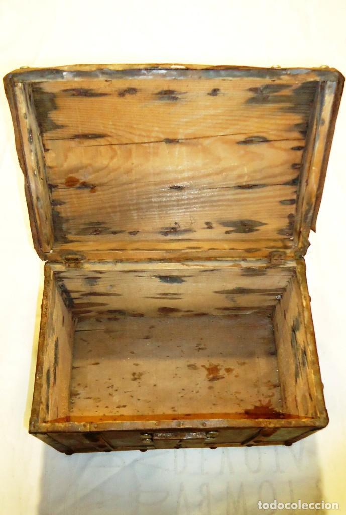 Antigüedades: Antiguo baul con cerradura en madera y metal principios XX - Foto 7 - 167465380