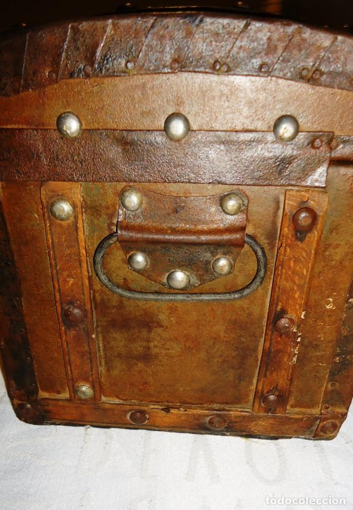 Antigüedades: Antiguo baul con cerradura en madera y metal principios XX - Foto 13 - 167465380