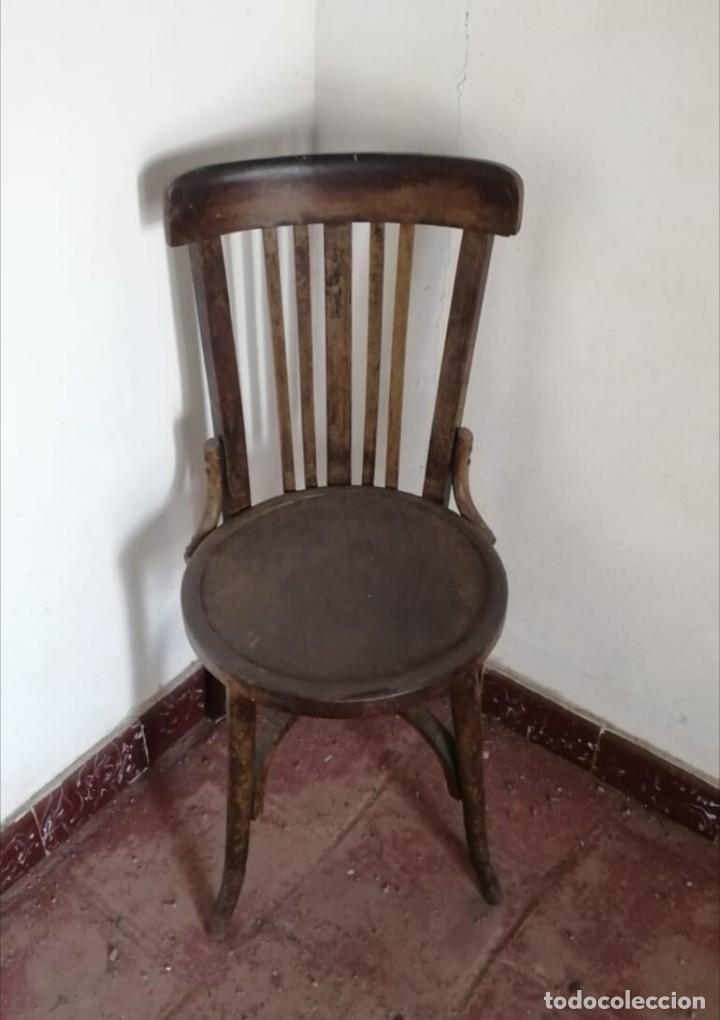 Antigüedades: 4 Sillas de Madera originales. (Regalo 2 más) - Foto 2 - 167476664