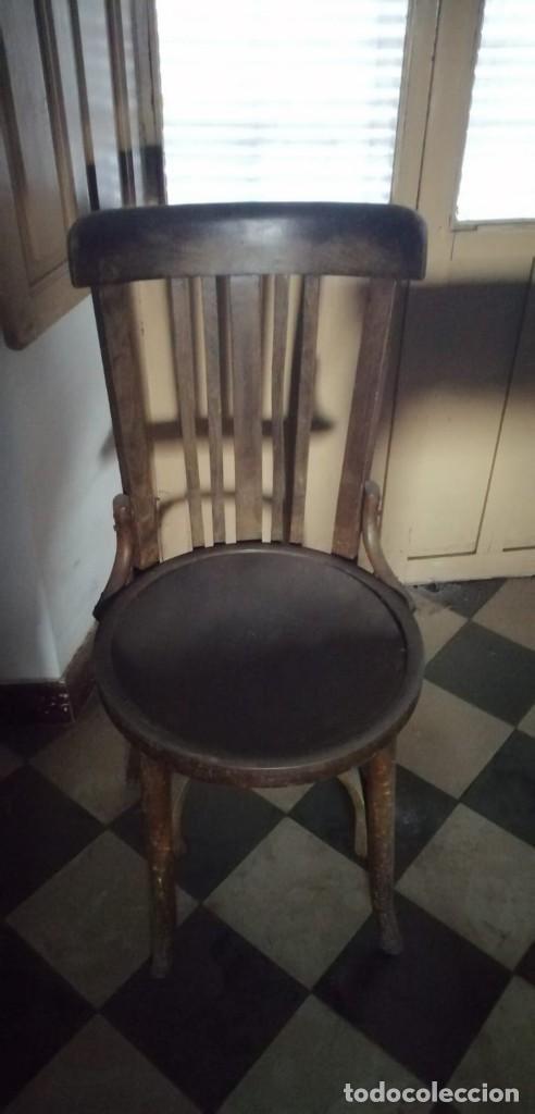 Antigüedades: 4 Sillas de Madera originales. (Regalo 2 más) - Foto 3 - 167476664
