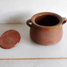 Antigüedades: OLLA DE BARRO CON TAPA,DE 23 CM DIAMETRO TOTAL EN LA BOCA Y 19 CM DE ALTURA.. Lote 167500980