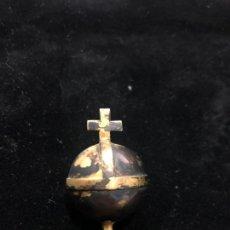 Antigüedades: ANTIGUA BOLA DE PLATA DORADA PARA NIÑO JESUS - MEDIDA 3,5 CM - RELIGIOSO - CAPILLA - SEMANA SANTA. Lote 167527408