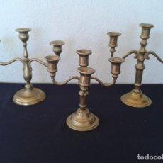 Antigüedades: 3 CANDELABROS PORTAVELAS EN BRONCE. Lote 167543152