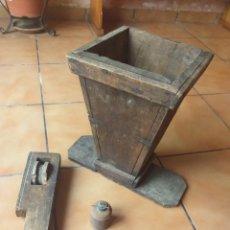 Antigüedades: LOTE ANTIGUO DE MADERA COSAS RARAS. Lote 167570004