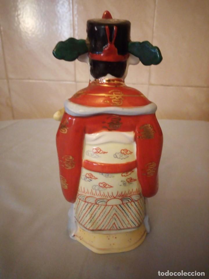 Antigüedades: Bonito emperador de porcelana biscuit. - Foto 4 - 167582220