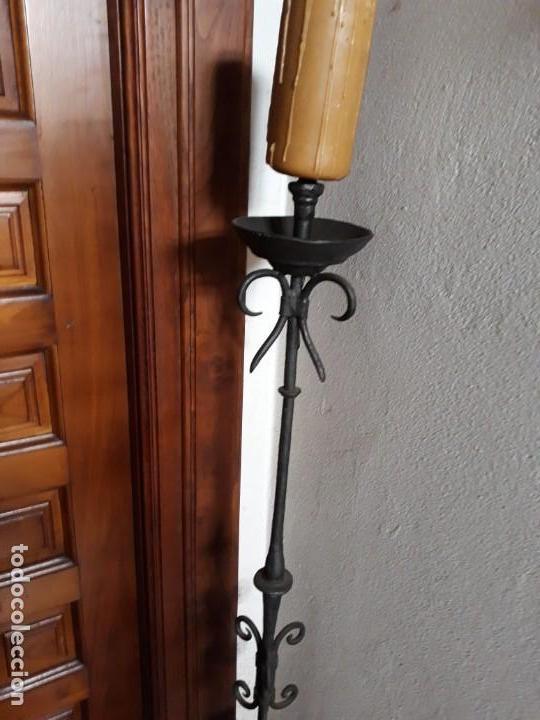 Antigüedades: Portavelas de pie ,en hierro. - Foto 3 - 167601560