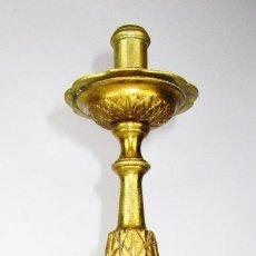 Antigüedades: CANDELABRO BARROCO RELIGIOSO ALTAR O IGLESIA BRONCE AL ORO . Lote 167639432