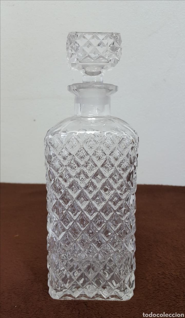 LICORERA DE CRISTAL TALLADO (Antigüedades - Cristal y Vidrio - Otros)