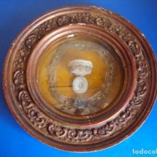 Antigüedades: (ANT-190610)ANTIGUO RELICARIO DE SAN FRANCISCO DE PAULA - MARCO Y CRISTAL. Lote 167670552