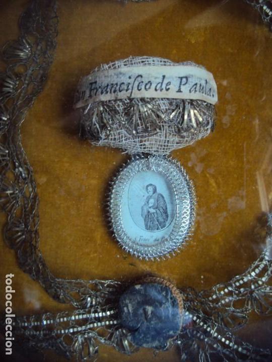 Antigüedades: (ANT-190610)ANTIGUO RELICARIO DE SAN FRANCISCO DE PAULA - MARCO Y CRISTAL - Foto 2 - 167670552