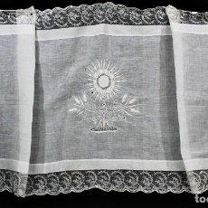 Antigüedades: 5B MARAVILLOSO PAÑO DE ALTAR BORDADO A MANO, HILO BATISTA Y SEDA. BOLILLO- AÑOS 1900. Lote 167673180