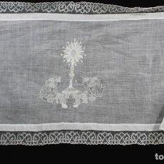 Antigüedades: 6B MARAVILLOSO PAÑO DE ALTAR BORDADO A MANO, HILO BATISTA Y SEDA. BOLILLO- AÑOS 1900. Lote 167673344