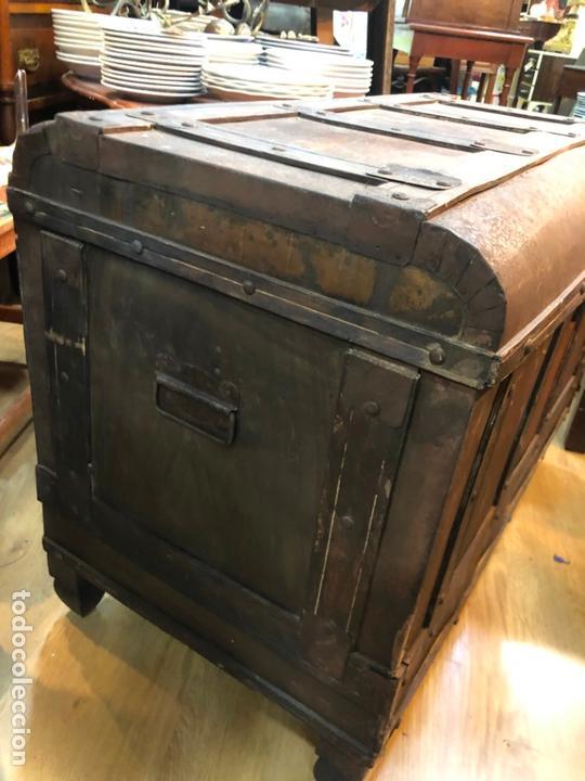 Antigüedades: ANTIGUO BAUL ARCON CON MEDIDAS TOTAL 79X44X54 CM - BAULES CARRASCAL - Foto 8 - 167685116