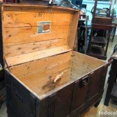 Antigüedades: ANTIGUO BAUL ARCON CON MEDIDAS TOTAL 79X44X54 CM - BAULES CARRASCAL. Lote 167685116