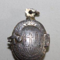 Antigüedades: RELICARIO EN PLATA CON GRABADOS A BURIL - SIGLOS XVIII - XIX. Lote 167737760