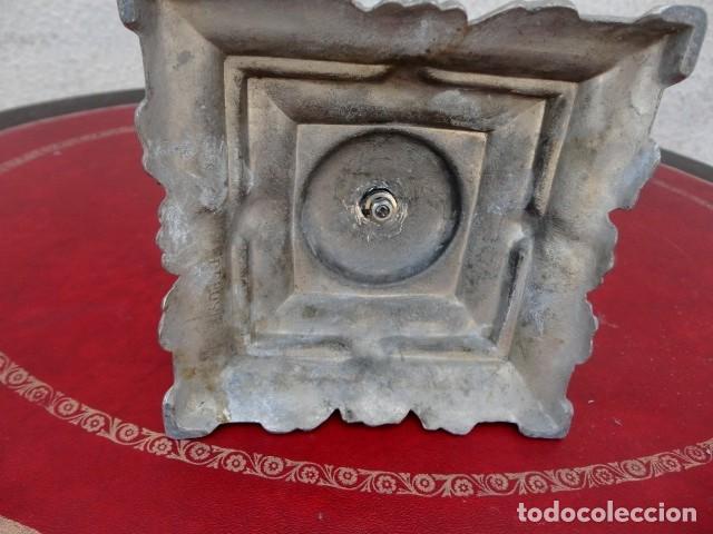 Antigüedades: candelabro en metal plateado, labrado - Foto 4 - 167737848