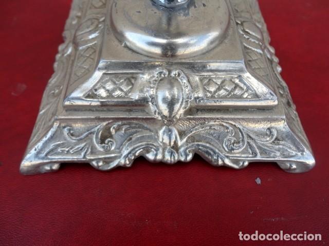 Antigüedades: candelabro en metal plateado, labrado - Foto 5 - 167737848
