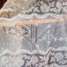 Antigüedades: ANTIGUO VESTIDO ORGANZA PARA ARREGLAR. Lote 167756458