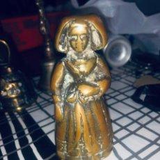 Antigüedades: ANTIGUA CAMPANA DE BRONCE EN FORMA DE DAMA. Lote 167763837