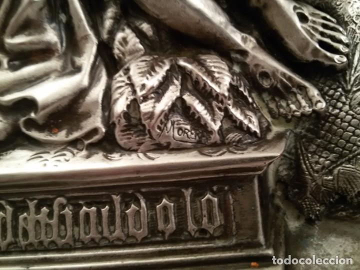 Antigüedades: CUADRO VIRGEN DEL CAMINO EN COBRE REPUJADO BAÑADO EN PLATA - FIRMADO MORERA - Foto 6 - 167764488