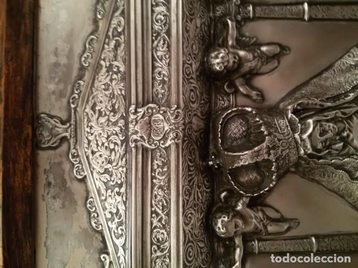 Antigüedades: CUADRO VIRGEN DEL CAMINO EN COBRE REPUJADO BAÑADO EN PLATA - FIRMADO MORERA - Foto 13 - 167764488