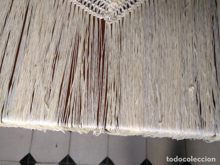 Antigüedades: MANTON DE PICO FLORES BORDADAS BORDADO FLORAL CON FLECOS 140 X 66 + 3 DE FLECOS - Foto 7 - 167801584