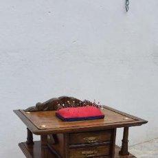 Antigüedades: COSTURERO DE MADERA. Lote 167805272