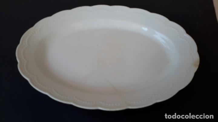 Antigüedades: Juego de 4 fuentes y salsera de porcelana opaca, sevilla. - Foto 3 - 167813276