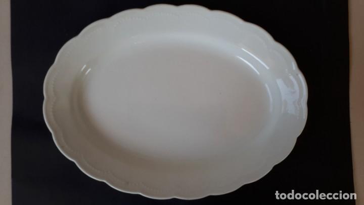 Antigüedades: Juego de 4 fuentes y salsera de porcelana opaca, sevilla. - Foto 6 - 167813276