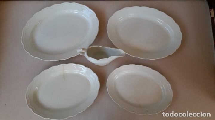 Antigüedades: Juego de 4 fuentes y salsera de porcelana opaca, sevilla. - Foto 7 - 167813276