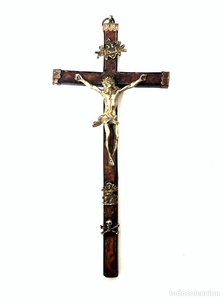 CRUCIFIJO DE BRONCE - S. XVII (Antigüedades - Religiosas - Crucifijos Antiguos)