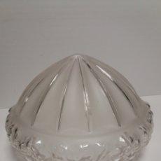 Antigüedades: TULIPA DE CRISTAL PARA LAMPARA DE TECHO. Lote 167839301